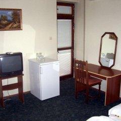 Отель Fenerite Family Hotel Болгария, Тырговиште - отзывы, цены и фото номеров - забронировать отель Fenerite Family Hotel онлайн удобства в номере фото 2