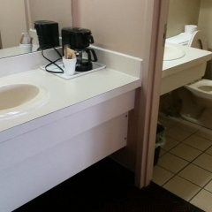 Отель German Village Inn Columbus Колумбус ванная
