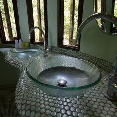 Отель Monkey Flower Villas Таиланд, Остров Тау - отзывы, цены и фото номеров - забронировать отель Monkey Flower Villas онлайн ванная