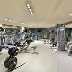 Отель DoubleTree by Hilton Dubai Jumeirah Beach фитнесс-зал фото 4