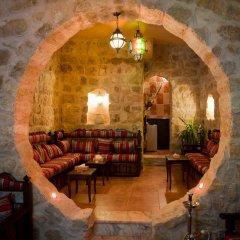 Отель Alanbat Hotel Иордания, Вади-Муса - отзывы, цены и фото номеров - забронировать отель Alanbat Hotel онлайн интерьер отеля