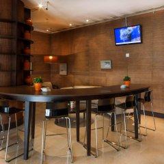 Отель MERCADER Мадрид гостиничный бар