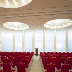 SIDE Design Hotel Hamburg развлечения