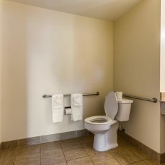 Отель Red Roof Inn Tulare - Downtown/Fairgrounds ванная