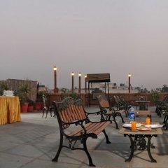 Отель OYO 9761 Hotel Clark Heights Индия, Нью-Дели - отзывы, цены и фото номеров - забронировать отель OYO 9761 Hotel Clark Heights онлайн питание фото 3