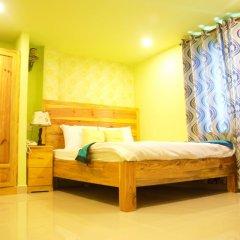 Отель Dalat Flower Далат сейф в номере
