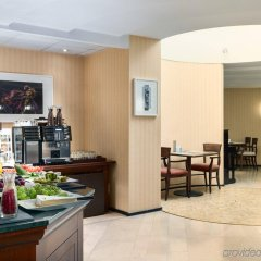 Отель NH Gent Sint Pieters Бельгия, Гент - 1 отзыв об отеле, цены и фото номеров - забронировать отель NH Gent Sint Pieters онлайн питание фото 3