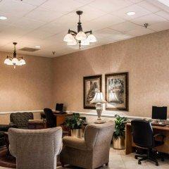 Отель Clarion Inn & Suites Clearwater интерьер отеля