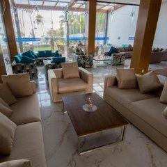 Отель Club Waskaduwa Beach Resort & Spa интерьер отеля