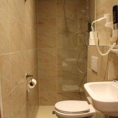 Отель Vivaldi Budget Hotel Нидерланды, Амстердам - отзывы, цены и фото номеров - забронировать отель Vivaldi Budget Hotel онлайн ванная фото 2