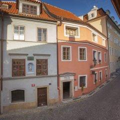 Отель At the Green Grape - U Zeleného hroznu Чехия, Прага - отзывы, цены и фото номеров - забронировать отель At the Green Grape - U Zeleného hroznu онлайн