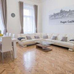Апартаменты Resslova Apartment комната для гостей фото 3