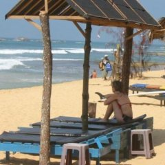 Отель Main Reef Guest House Хиккадува пляж фото 2