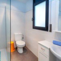 Отель Casa Cap Ras - Four Bedroom Испания, Льянса - отзывы, цены и фото номеров - забронировать отель Casa Cap Ras - Four Bedroom онлайн ванная