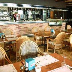 Отель Apartamentos Son Bou Gardens гостиничный бар