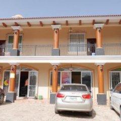 Hotel Cuna Maya Копан-Руинас парковка