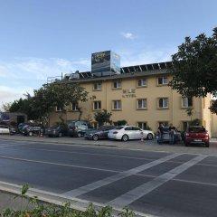 Muz Hotel парковка