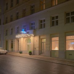 Отель Starlight Suiten Hotel Renngasse Австрия, Вена - 4 отзыва об отеле, цены и фото номеров - забронировать отель Starlight Suiten Hotel Renngasse онлайн вид на фасад