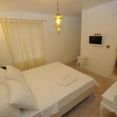 Отель Alacati Alanur Otel Чешме комната для гостей фото 5