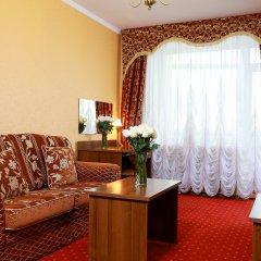 Гостиница Царский Двор в Челябинске 4 отзыва об отеле, цены и фото номеров - забронировать гостиницу Царский Двор онлайн Челябинск комната для гостей фото 2
