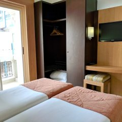 Hôtel Tiba in Tunis, Tunisia from 72$, photos, reviews - zenhotels.com guestroom
