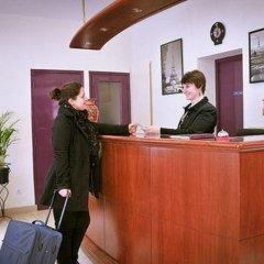 Отель Lilas Gambetta Франция, Париж - отзывы, цены и фото номеров - забронировать отель Lilas Gambetta онлайн интерьер отеля фото 3