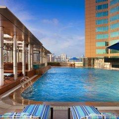 Отель Four Points by Sheraton Shenzhen Китай, Шэньчжэнь - отзывы, цены и фото номеров - забронировать отель Four Points by Sheraton Shenzhen онлайн бассейн