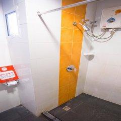 Отель Nida Rooms Lotus Bai Yok 599 Таиланд, Бангкок - отзывы, цены и фото номеров - забронировать отель Nida Rooms Lotus Bai Yok 599 онлайн ванная