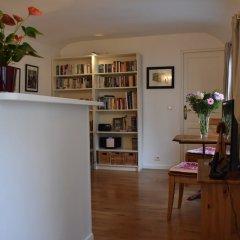 Апартаменты Charming Apartment Near Le Marais развлечения