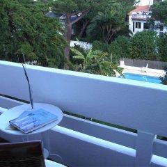 Отель White House Guesthouse Португалия, Кашкайш - отзывы, цены и фото номеров - забронировать отель White House Guesthouse онлайн балкон