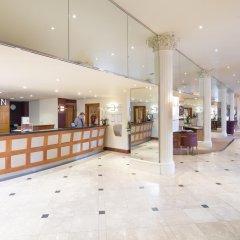 Corus Hotel Hyde Park интерьер отеля
