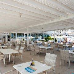 Отель Vrissiana Beach Hotel Кипр, Протарас - 1 отзыв об отеле, цены и фото номеров - забронировать отель Vrissiana Beach Hotel онлайн гостиничный бар