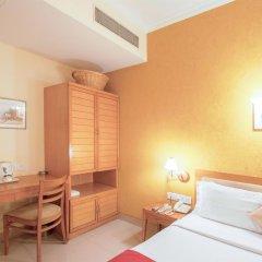 Отель The Corus Hotel Индия, Нью-Дели - отзывы, цены и фото номеров - забронировать отель The Corus Hotel онлайн комната для гостей фото 4
