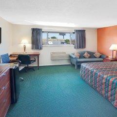 Отель Days Inn Elk Grove Village Chicago OHare Airport West комната для гостей