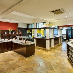 Austria Trend Hotel Ananas питание