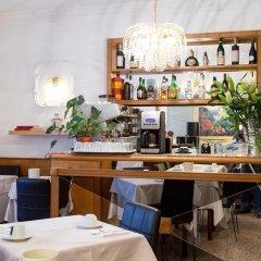 Hotel Gabriella гостиничный бар