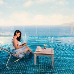 Отель V Nha Trang бассейн