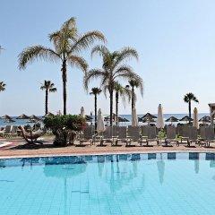 Marlita Beach Hotel Apartments бассейн