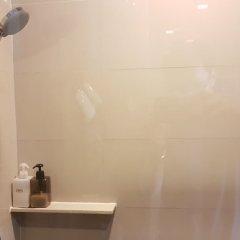 Отель Cozy One Bedroom Condo In Nana Asoke Бангкок ванная фото 2