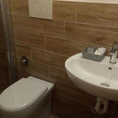 Hotel Carmen Viserba Римини ванная