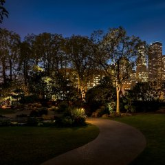 Отель Doubletree by Hilton Los Angeles Downtown США, Лос-Анджелес - 8 отзывов об отеле, цены и фото номеров - забронировать отель Doubletree by Hilton Los Angeles Downtown онлайн спортивное сооружение