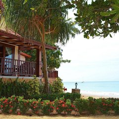 Отель Sayang Beach Resort Koh Lanta Таиланд, Ланта - 1 отзыв об отеле, цены и фото номеров - забронировать отель Sayang Beach Resort Koh Lanta онлайн пляж