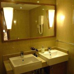 Отель The Twenty-first Century Hotel - Beijing Китай, Пекин - отзывы, цены и фото номеров - забронировать отель The Twenty-first Century Hotel - Beijing онлайн ванная