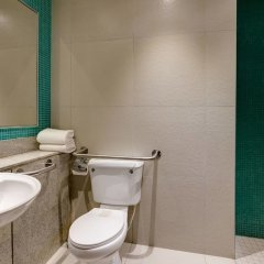 Protea Hotel by Marriott Benin City Select Emotan ванная фото 2