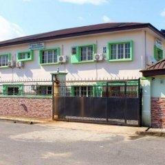 Отель Specs Suite Нигерия, Калабар - отзывы, цены и фото номеров - забронировать отель Specs Suite онлайн вид на фасад
