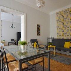 Отель Standard Apartment by Hi5 - Chainbridge Венгрия, Будапешт - отзывы, цены и фото номеров - забронировать отель Standard Apartment by Hi5 - Chainbridge онлайн комната для гостей