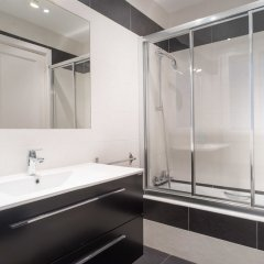 Отель Hollywood Zurriola - IB. Apartments Испания, Сан-Себастьян - отзывы, цены и фото номеров - забронировать отель Hollywood Zurriola - IB. Apartments онлайн ванная фото 2