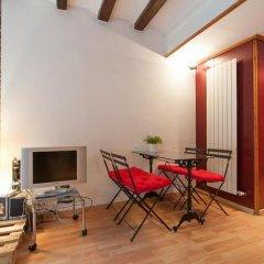 Отель Rent A Flat In Barcelona Born Испания, Барселона - отзывы, цены и фото номеров - забронировать отель Rent A Flat In Barcelona Born онлайн балкон