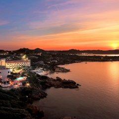 Отель Grand Hotel Smeraldo Beach Италия, Байя-Сардиния - 1 отзыв об отеле, цены и фото номеров - забронировать отель Grand Hotel Smeraldo Beach онлайн приотельная территория фото 2