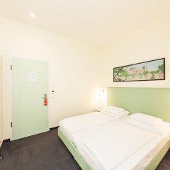 Отель Select Checkpoint Charlie Берлин сейф в номере